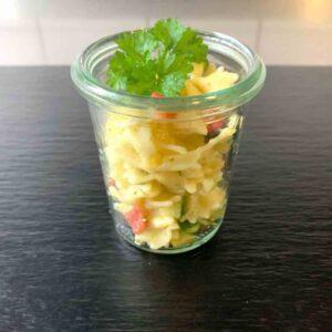 Salate im Gläschen